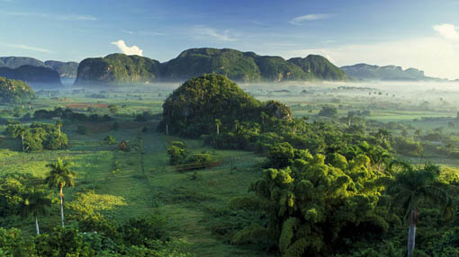 Touristic attractions of Cuba : Vinales Valley
