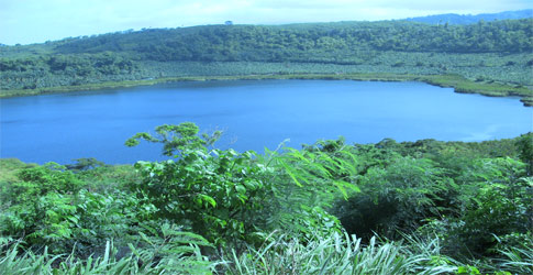 Touristic attractions of Grenada : Lake Antoine