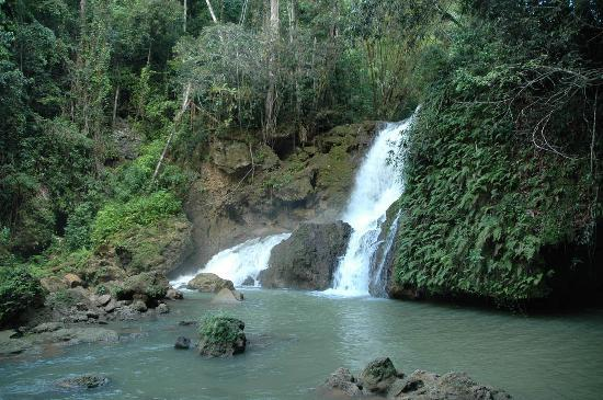 Touristic attractions of Jamaica : YS Falls
