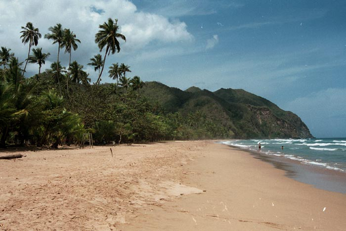 Touristic attractions of Venezuela : Playa Pui Puy