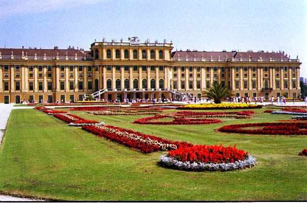 Touristic attractions of Austria : Schönbrunn Palace