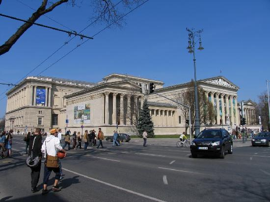 Touristic attractions of Austria : Museum of Fine Arts