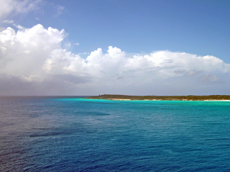 Touristic attractions of Belize : Half Moon Cay Beach