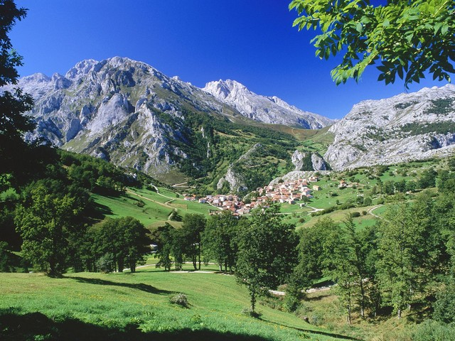 Touristic attractions of Spain : The Picos de Europa
