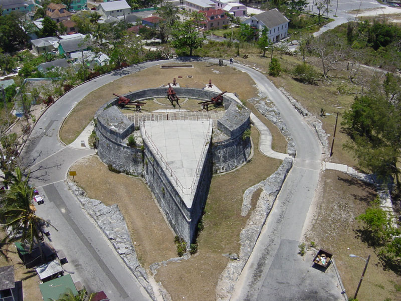 Touristic attractions of Bahamas : Fort FinCastle