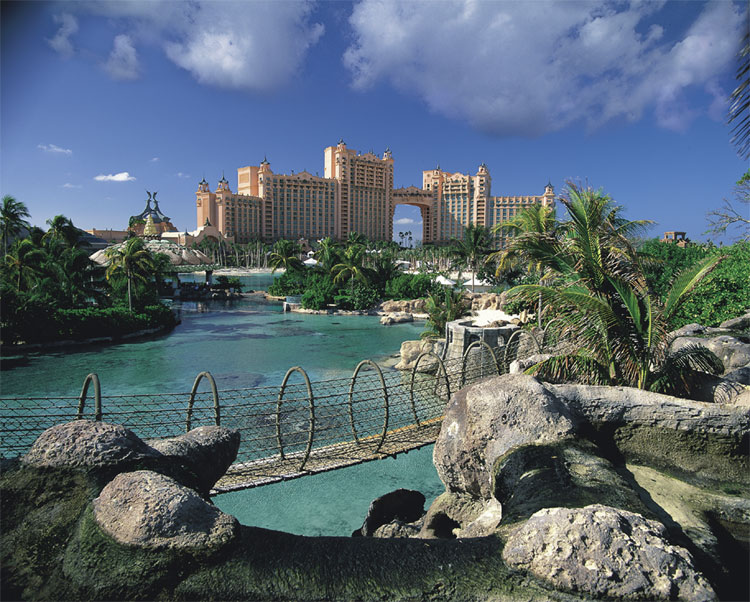 Touristic attractions of Bahamas : Atlantis Hotel