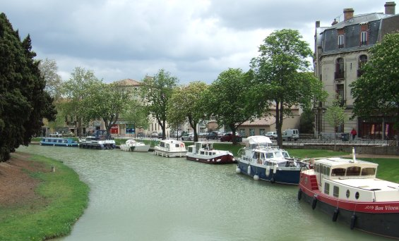 Touristic attractions of Mediterranean : Canal du midi , Carcassonne