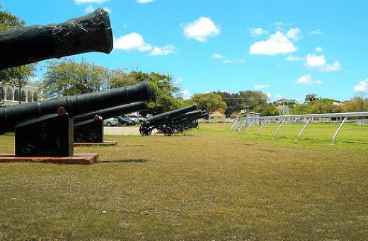 Touristic attractions of Barbados : Garrison Savannah Cannons