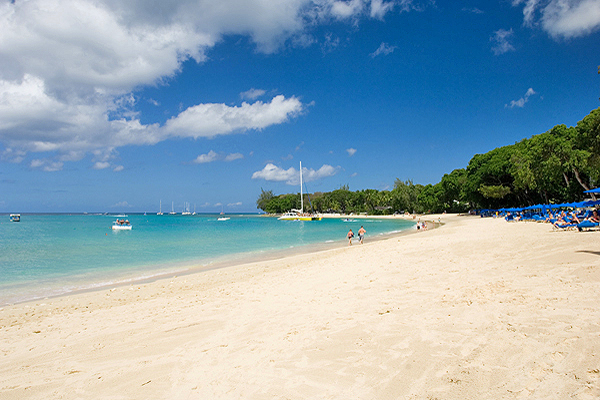 Touristic attractions of Barbados : Sandy Lane Beach