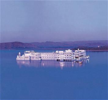 Touristic attractions of India : Lake Palace, Udaipur