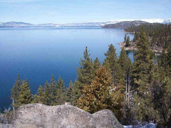Touristic attractions of Las Vegas : Lake Tahoe, Sierra Nevada Mountains