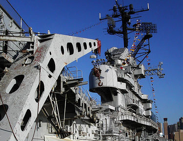 Touristic attractions of New York : Intrepid Air and Sea Museum