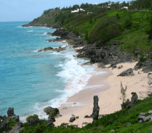 Touristic attractions of Bermuda : Church Bay Beach