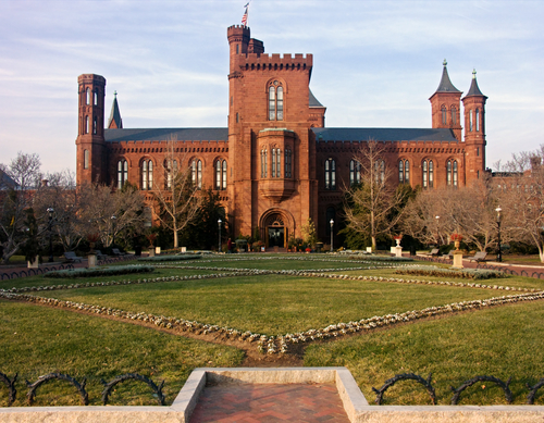 Touristic attractions of Colombia : Smithsonian Institution/Castle