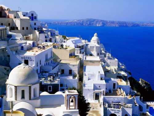 Touristic attractions of Greece : The Island of Santorini